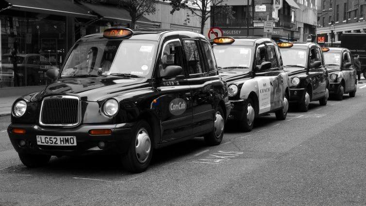 arret-taxi-londonien